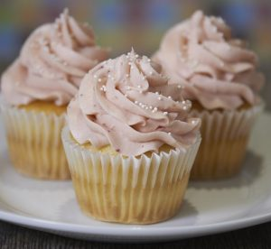 Strawberry Cupcake (Seasonal: April – August)
